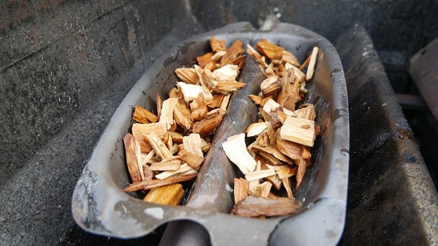 How to use a Weber Smoker Box - Step 2